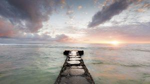Free Path To The Horizon