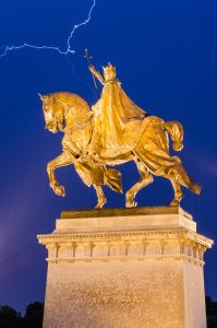Statue of King Louis IX of France located in front of the Saint Louis Art Museum at Forest Park.